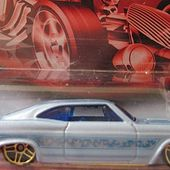 65 CHEVY IMPALA LOWRIDER - CHEVROLET IMPALA 1965 LOW RIDER HOT WHEELS 1/64 - car-collector.net