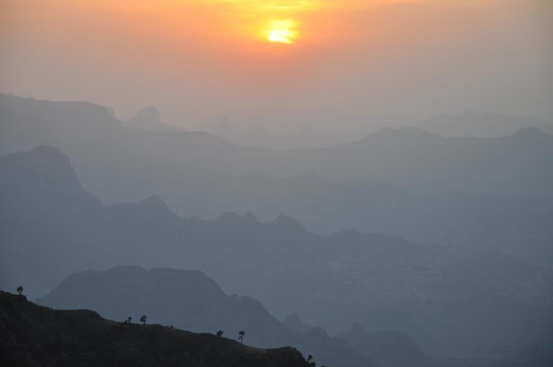 Ethiopie, monts Simien, coucher de soleil à Kedadit, 3760 m