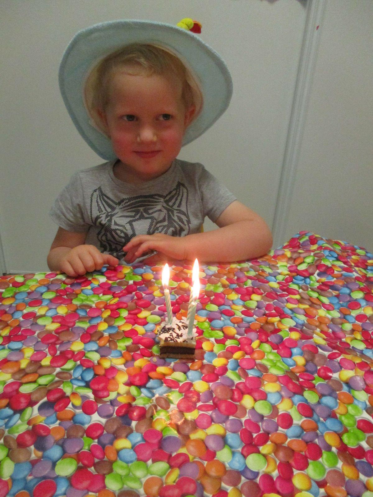 Nous avons souhaité un joyeux anniversaire a Nathan pour ses 3 ans.