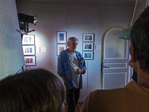 Photographies d'Alexandre David, sculptures de Veerle Van Gorp, de Trencarocs, de Jacques Duault, aquarelles d'Yvon Lecabec, photographies-broderies de Patrick Perrot
