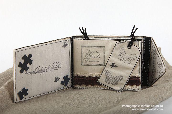 Album scrap Motifs et Broderies crées par Manuela JAMET (L'encre et l'image) et Valy (Dames de kit) Album scrap Camille