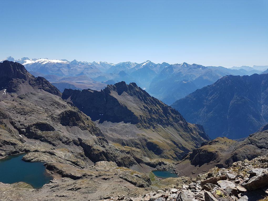 Croix de Belledonne (2926m) et Pic du Grand Domenon (2802m), depuis les Seiglières, boucle par l'Oursière et la Brèche Robert Nord