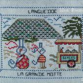 Carte brodée de la Grande Motte par Mamigoz - Chez Mamigoz
