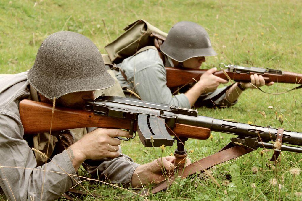 Patrouille de Chasse en progression dans le Nord-Vaudois, Septembre 1944
