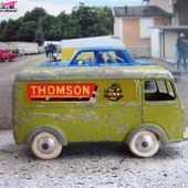 PEUGEOT D4A THOMSON CONFORT MENAGER - RADIO TELEVISION DUCRETTET THOMSON - QUIRALU 1/50 - car-collector.net