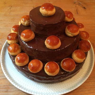 Gâteau d'anniversaire caramel vanille et chocolat