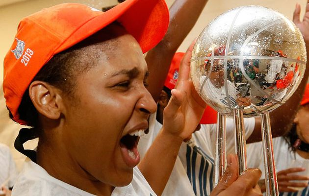 Minnesota est sacré champion 2013 et Maya Moore élue MVP
