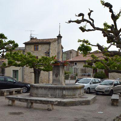 Salles-Sous-Bois, Un Petit Village Drômois (Drôme 26)