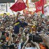 En prison, Lula, le «père des pauvres», n'abdique pas