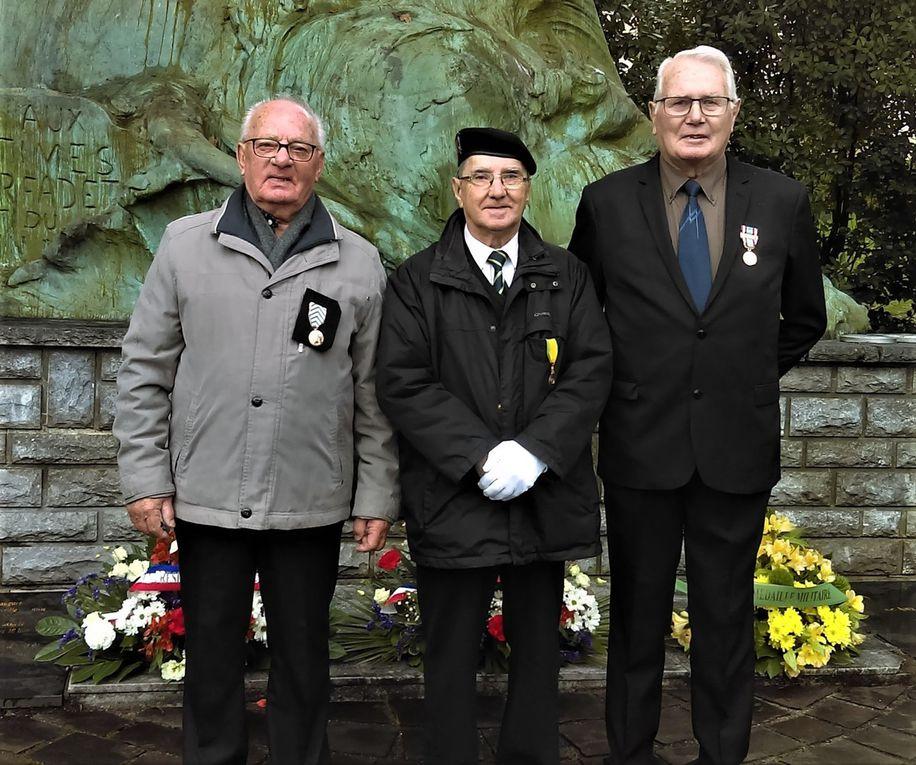 Photo J.P Castagnet -Le Major Fauchereau -Jacqueline Aufranc  et notre Président -  Les décorés Salmon et Larue- Photos souvenir pour le Major Fauchereau...