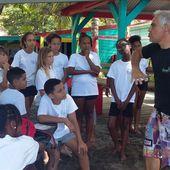 Les eaux usées autour du restaurant Ti Payot - Manu et Martin autour du monde