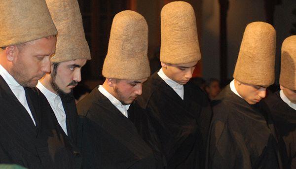 tariqa qadiriyyaq boutchichiyya, les chants soufis sont récités dans les voies soufies