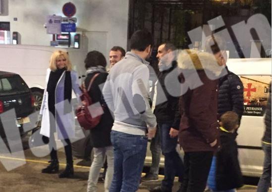 Emmanuel et Brigitte Macron aperçus ce vendredi soir à Saint-Tropez