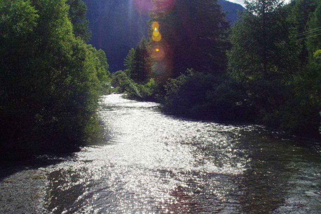 La vallée de la Clarée, Hautes-Alpes La route forestière du Bois Noir