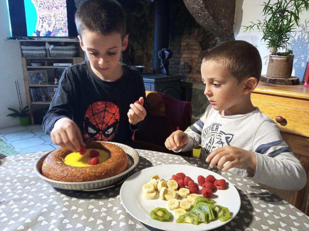 Emilien et Gabriel en cuisine à Montreuil-le-Chétif : bravo !