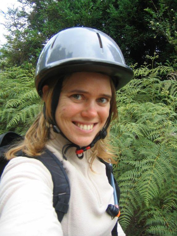 Un WE en famille avec une balade à cheval pour l'anniv de Cécile - déjà 6 ans le 15 décembre 2010!