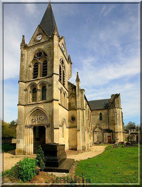 Diaporama église fortifiée de Laval en Laonnois