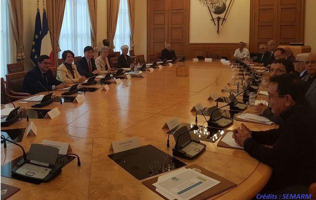 Geneviève Darrieussecq rencontre les représentants d'associations de Harkis
