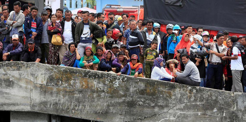 Près de 200 disparus dans le naufrage d'un ferry en Indonésie