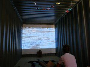 Installation vidéo onirique et atelier peinture proposés par Chloé Saint Denis au Plateau des Poètes