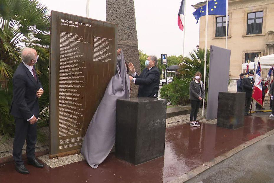L'inauguration du mémorial de la Shoah et des Justes à Cherbourg-en-Contentin a eu lieu ce dimanche 4 octobre, place de la République. • © France 3 Normandie