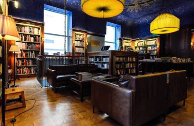 A la librairie Albertine New York City