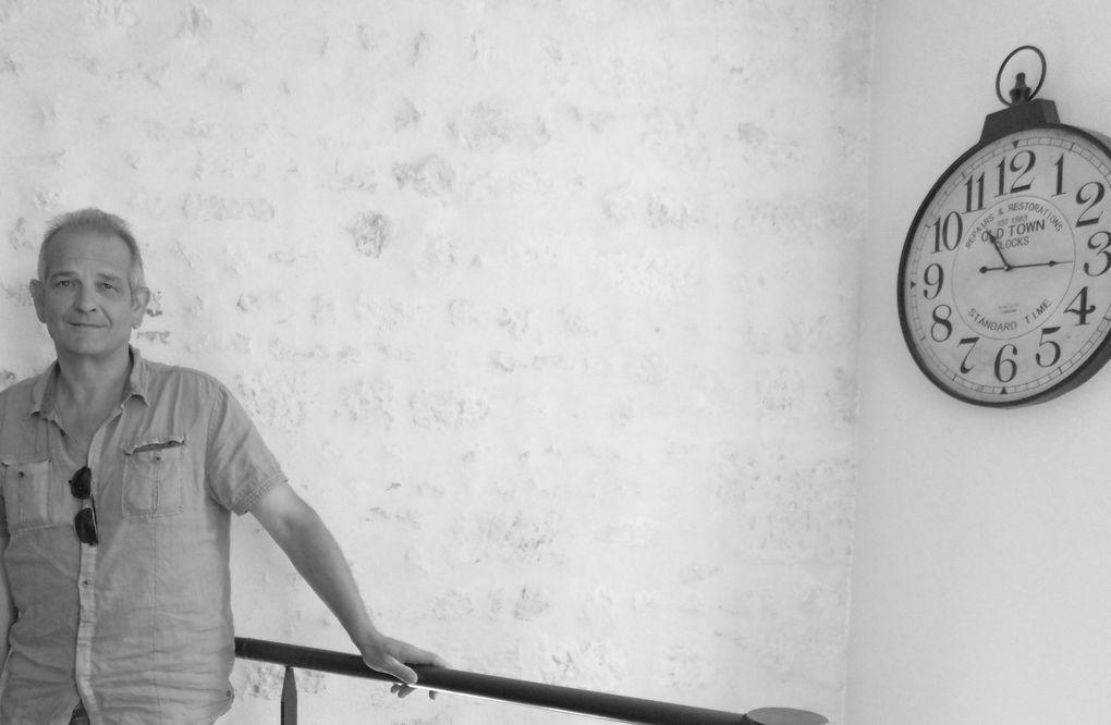 23 - Armée de l'air vecteur de notre survie E.E.T.A.A 722 remise des prix. Jean-Claude Callaud  de son argile sort la pensée et cela nous rappelle la création originelle. Esia photographe du jour vers sa nuit à la médiathèque. Aurore en shooting croisière.
