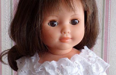 tuto gratuit poupée  : blouse à col broderie anglaise