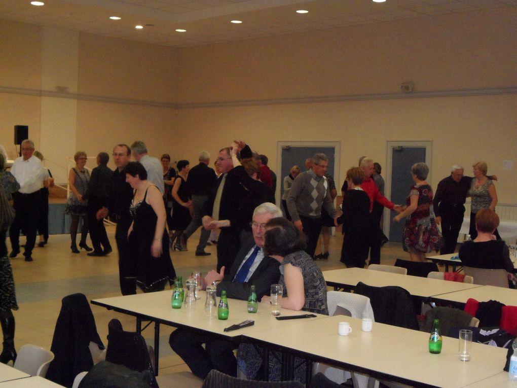 Le dimanche 07 novembre avait lieu à la salle des fêtes notre 6 ème Thé Dansant animé par l'orchestre AMBIANCE. L'ambiance fût assurée et les danseurs venus nombreux content de leur après midi. Rendez-vous est donné l'année prochaine