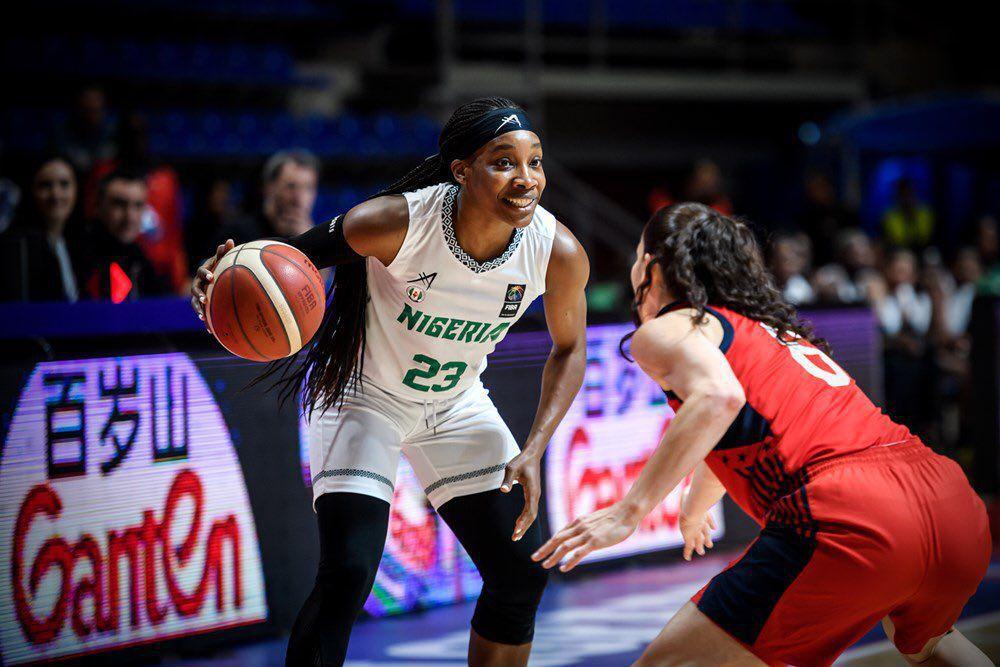 """Nneka, Chiney et Erica Ogwumike, toutes inscrites sur la liste provisoire du Nigéria, pourraient jouer ensemble aux Jeux olympiques, ce dont la """"famille serait très fière"""""""