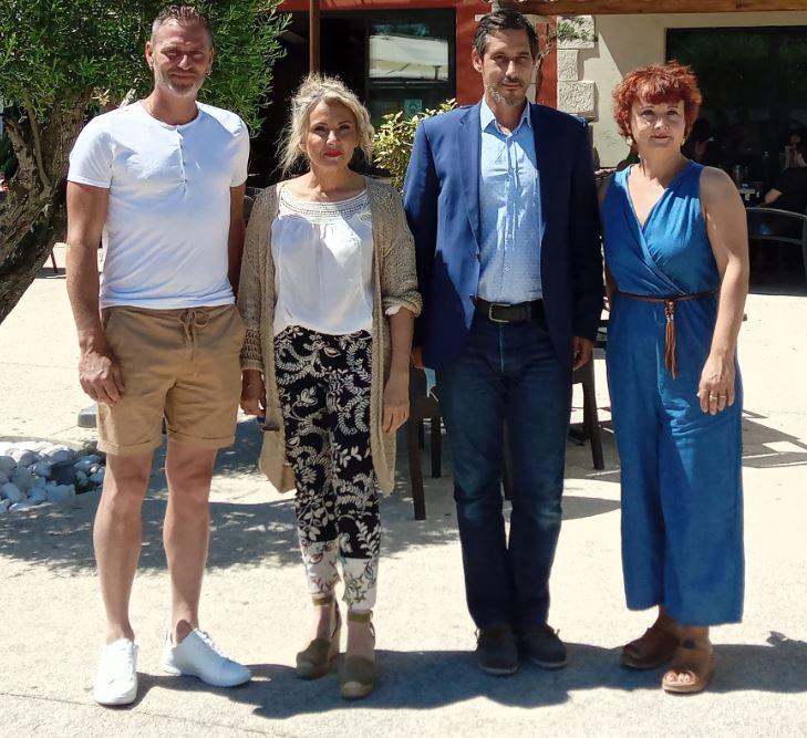 De gauche à droite: Julien Ouffe, Patty Moulin Traffort, Brice Bonnefoux et la valerguoise Sandrine Dubois Lambert en visite ce matin à Valergues