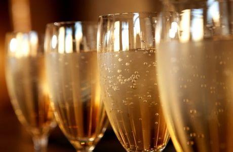 Guide des champagnes valeurs sûres pour les fêtes !
