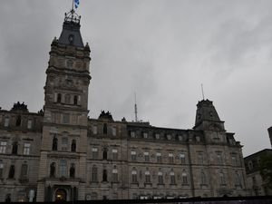 Le Parlement  - Le Château Frontenac - Les chutes de Montmorency - Le village des Hurons