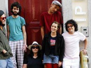 label mais um discos, un label anglais qui ouvre les portes de l'europe à la nouvelle et turbulente scène brésilienne de rodrigo amarante à bixiga 70