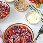 Salade de chou rouge aux légumes de l'été
