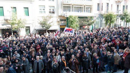 GRECE : La procédure judiciaire provocatrice, attentée par les nazis contre le maire communiste, Kostas Peleditis, a été mise en échec