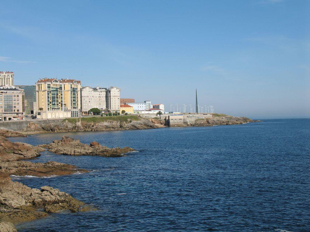 Le Paseo Maritimo de La Coruña est l'un des plus longs d'Europe avec près de 16 km de long. Vous pouvez vous y promener, jour et nuit, en toute sécurité...