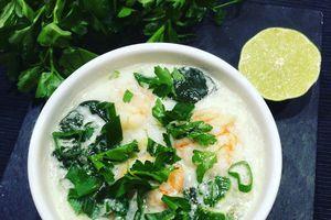 soupe de vermicelles de riz aux crevettes et lait de coco