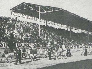 1 - Desfile de equipos. 2 - Equipos de Vizcaya y Guipúzcoa