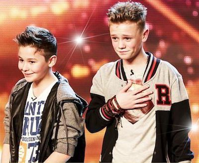 Music : Bars and Melody, the band that makes England sing / Musique : Bars and Melody, le groupe qui fait chanter l'Angleterre