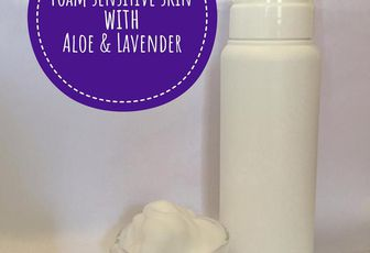 Face Cleansing Foam for Sensitive Skin with Aloe & Lavander