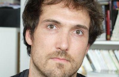 Entretien avec le sociologue Guillaume Favre sur le rôle des salons dans la constitution des marchés