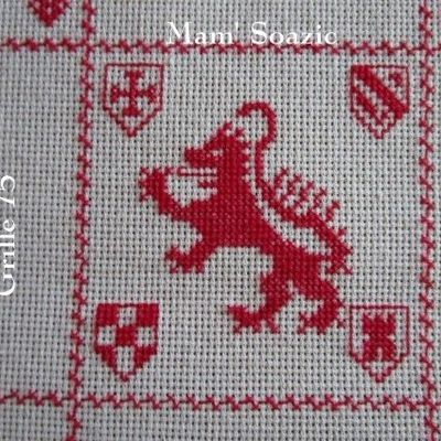 SAL : Plaid Broderie Rouge... Grille 75/E5