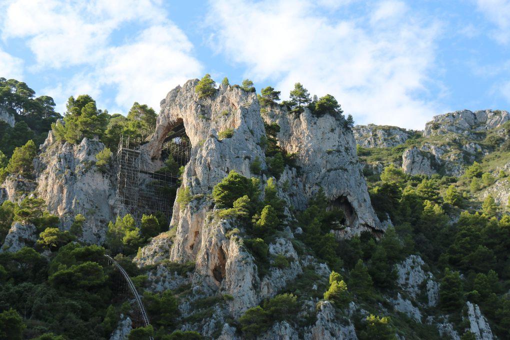 Tour de l'île de Capri en bateau, grottes