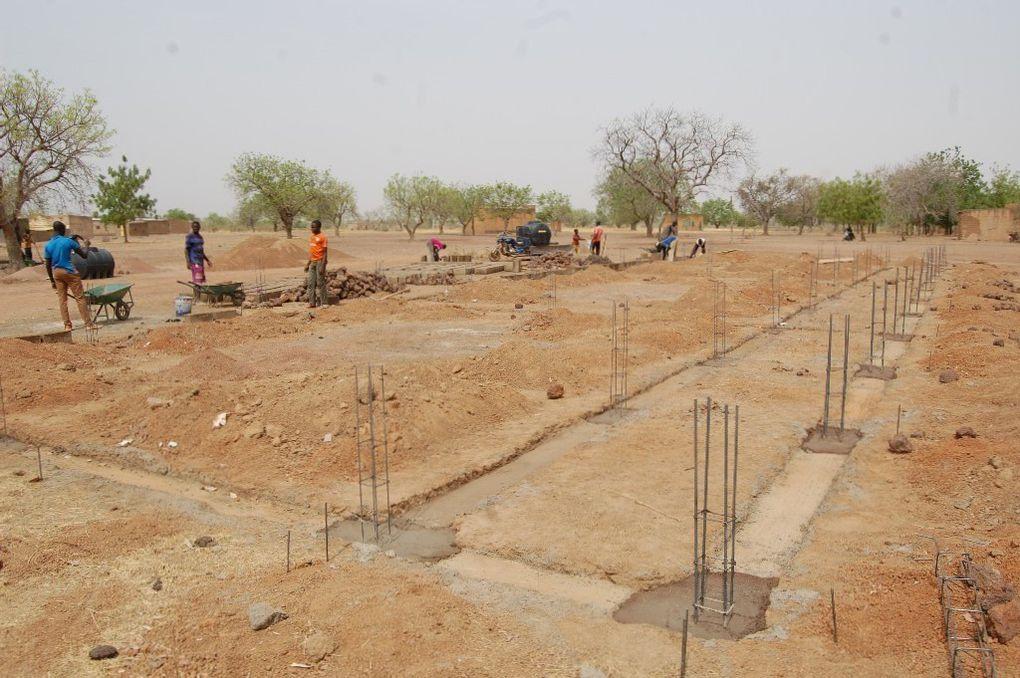 Course solidaire du mois d'octobre, la construction de l'école au Burkina Faso a démarré!