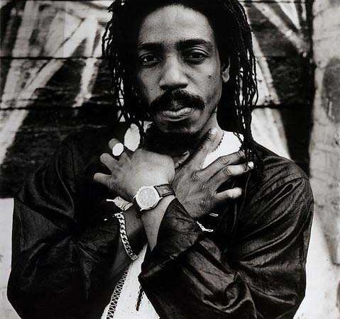 earl sixteen, acoustique, roots et exquis, le vétéran jamaïcain en état de grâce