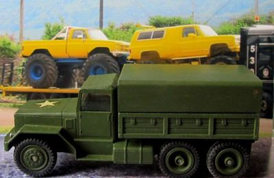 INTERNATIONAL 6X6 ARMY TRUCK CORGI