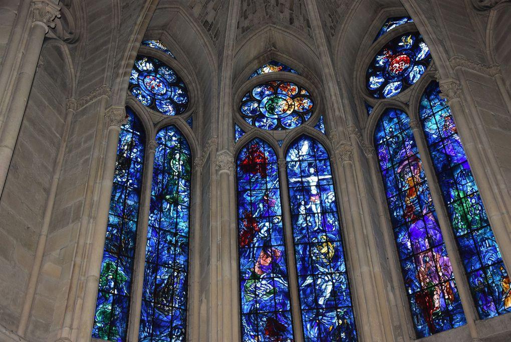 Visiter la Cathédrale de Reims.