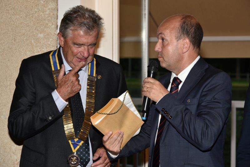 Le premier juillet passation à POUSTAGNAQ jl BAILLY nouveau président