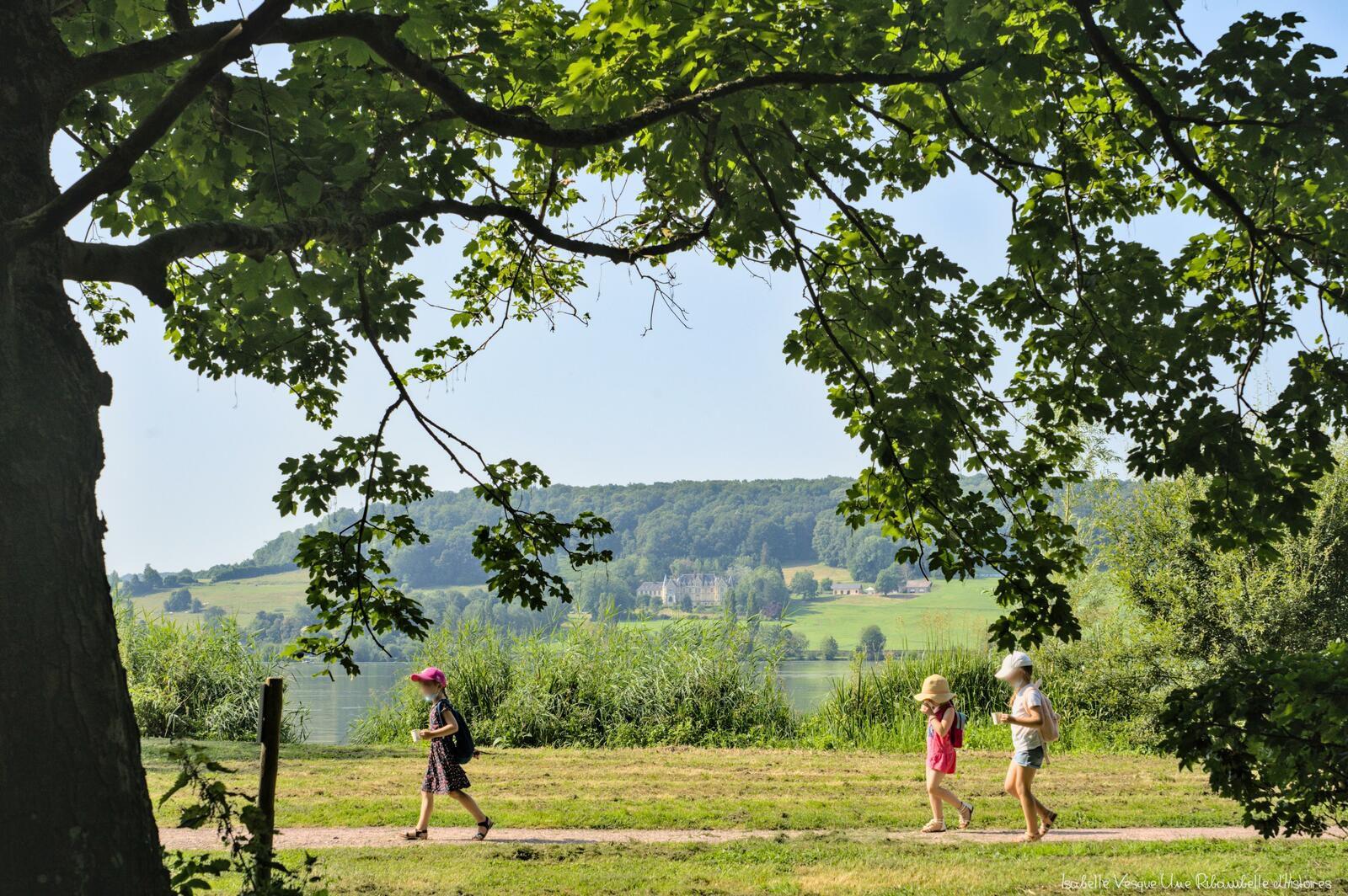 En chemin - Lac de Pont l'Evêque.